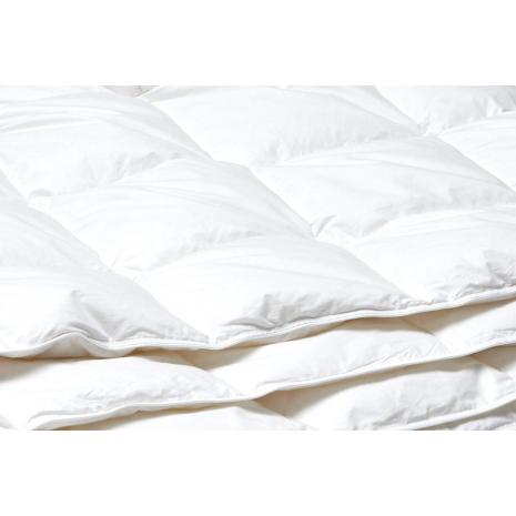 Extra Lightweight Transition Comforter 155 x 220 cm
